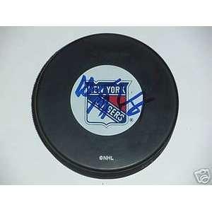 Wayne Gretzky Signed New York Rangers Hockey Puck Sports
