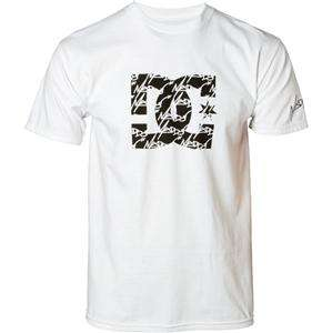 NWT**2011 DC MADHOUSE MENS T SHIRT*WHITE*ASSORTED SIZES*