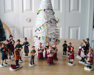 LEMAX CHRISTMAS VILLAGE LIGHTED HOUSE CAROLERS PEOPLE ACCESSORIES
