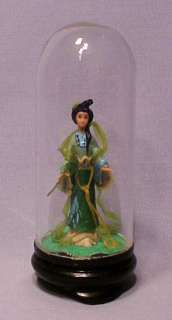 Miniature Japanese Geisha Girl Figurine w/ Dome   Nice!