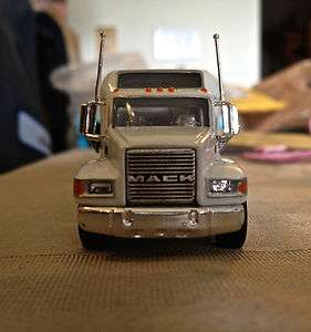 Matchbox Highly Detailed 197 Scale Mack CH600 Citgo Gas Truck
