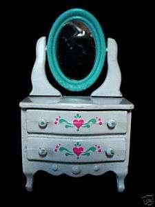 1980 Mattel Doll House Littles family Furniture Dresser