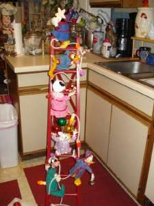 MICKEYS TREE TRIMMERS   SIX Animated Disney Characters on Ladder