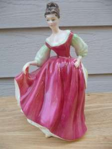 ROYAL DOULTON Fair Lady Red Figurine HN 2832 Mint Condition