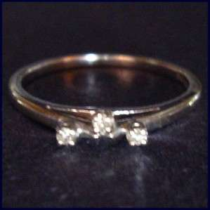 14K White Gold Ring 3 Stone Diamond Stackable Wedding Band *Guard* 4