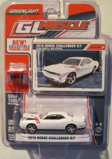 GREENLIGHT MUSCLE SERIES 2 2010 DODGE CHALLENGER R/T Stone White w/Red