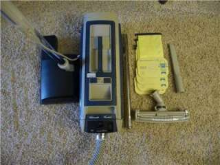 ELECTROLUX CANISTER VACUUM CLEANER MODEL 1521