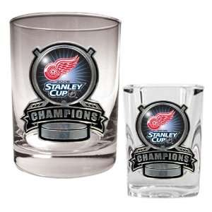 Red Wings NHL 2008 Stanley Cup Champs Rocks Glass & Square Shot Glass