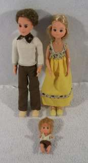 1973 MATTEL SUNSHINE FAMILY mother father baby dolls clothes A