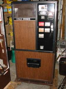 Dixie Narco 180 Can Soda Machine with Bill Validator